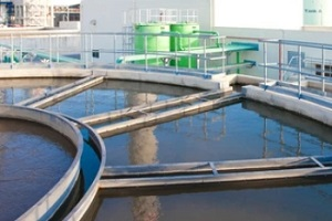 water treatment cleaning process with big tankers